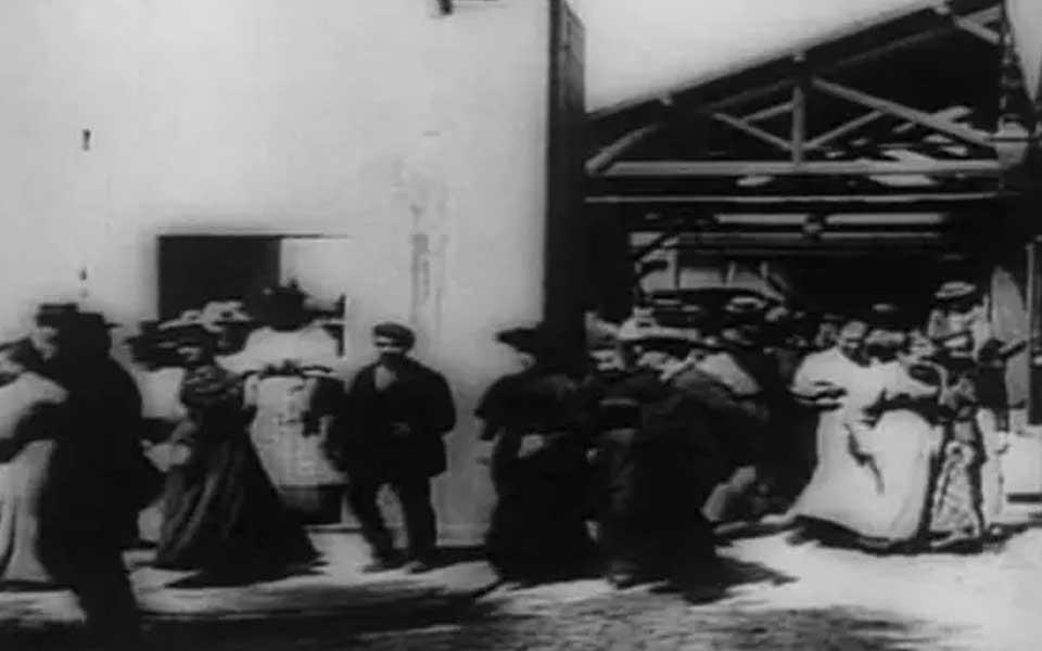 百年博斯纳跨越时空的影视大片之作