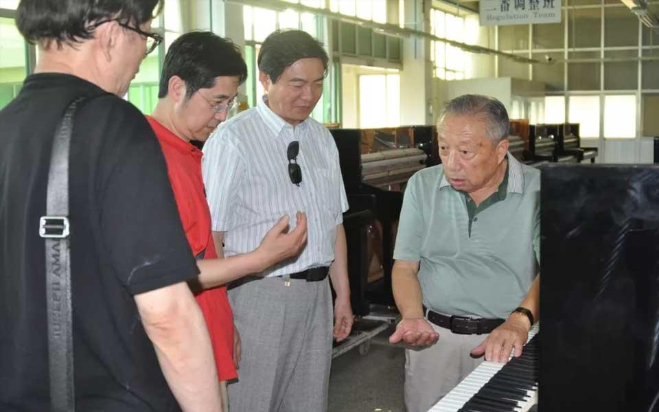 众多国内外著名钢琴家齐访烟台博斯纳